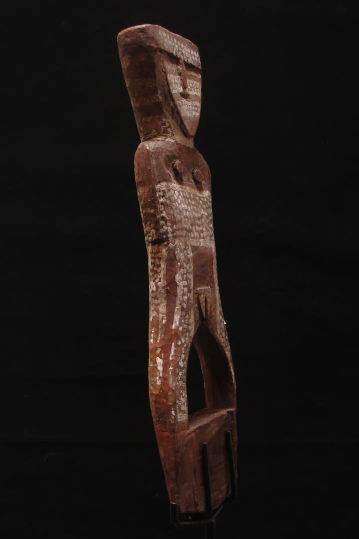 Tiwi-Grave-figure