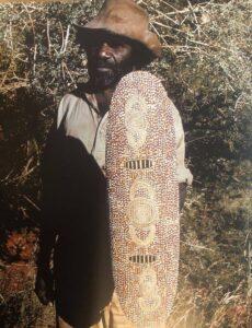 Johnny Warangula Tjupurrula with Wallaby Tjukurrpa,
